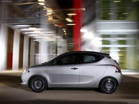 Lancia Ypsilon (2012) - picture 37 of 81