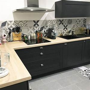 Deco Cuisine Bois : cuisine noire bois carreaux de ciment kitchen pinterest ma cuisine placard et cuisine noir ~ Melissatoandfro.com Idées de Décoration