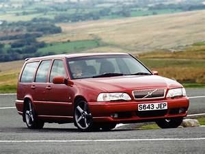 Volvo V70 R Specs  U0026 Photos - 1997  1998  1999