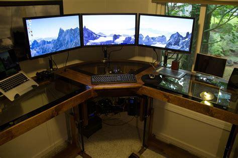 post it sur bureau pc diy un magnifique bureau informatique monté sur vérins