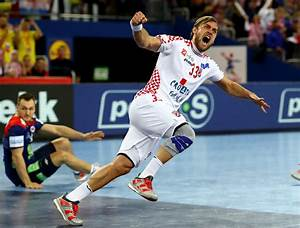 Hosts continue good form at 2018 European Men's Handball ...