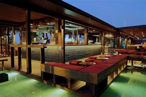 deck bar picture of salt house cairns tripadvisor