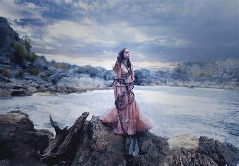 วอลเปเปอร์ : ผู้หญิง, โมเดล, ทะเล, หิน, หิมะ, ฤดูหนาว ...