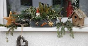 Weihnachtsdeko Draußen Basteln : fensterbank mit weihnachtsdeko bilder und fotos ~ A.2002-acura-tl-radio.info Haus und Dekorationen