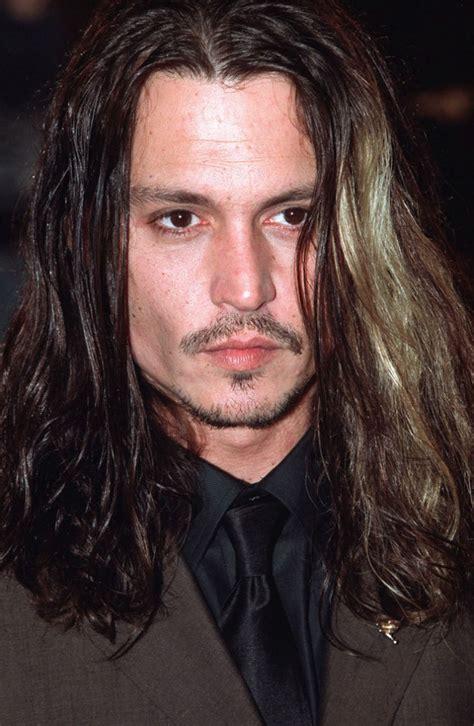 coiffure homme cheveux tres long