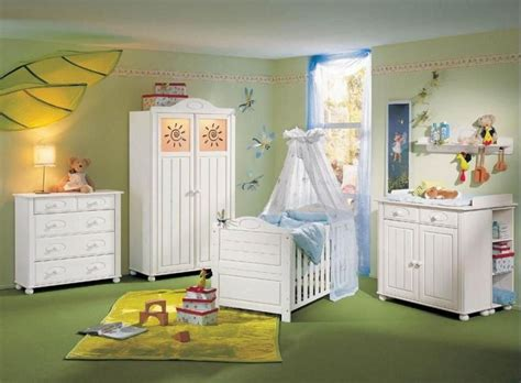 peinture bebe chambre chambre bébé fille en nuances de vert inspirantes