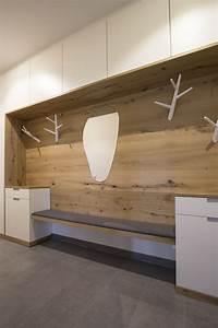 Sitzbank Weiß Mit Stauraum : garderobenverbau mit sehr viel stauraum gefertigt in ~ Indierocktalk.com Haus und Dekorationen