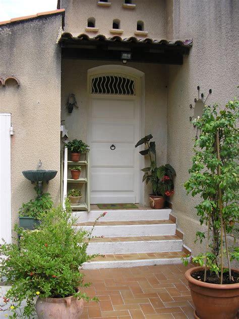 facade de cuisine seule et si on poussait la porte d 39 entrée fengshui humaniste