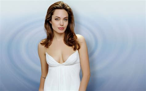 angelina jolie  white hd hd hollywood actresses