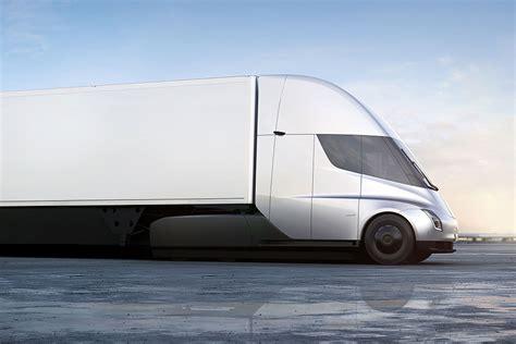 Tesla's Electric Cargo Hauling Truck Has A Supercar Drag