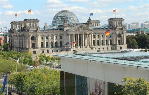 Bundeskanzleramt Berlin by File Bundeskanzleramt Berlin 02 09 2015 05 Jpg Wikimedia