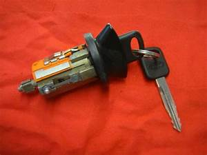 1992 Up Ford F150 F250 F350 Pickups Ignition Lock Cylinder