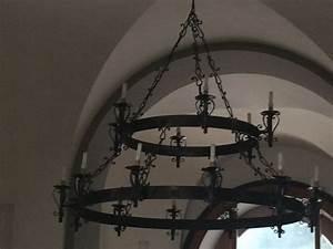 Lustre Fer Forgé : 1000 ideas about lustre fer forg on pinterest pendant lighting canap d angle and charlotte ~ Teatrodelosmanantiales.com Idées de Décoration