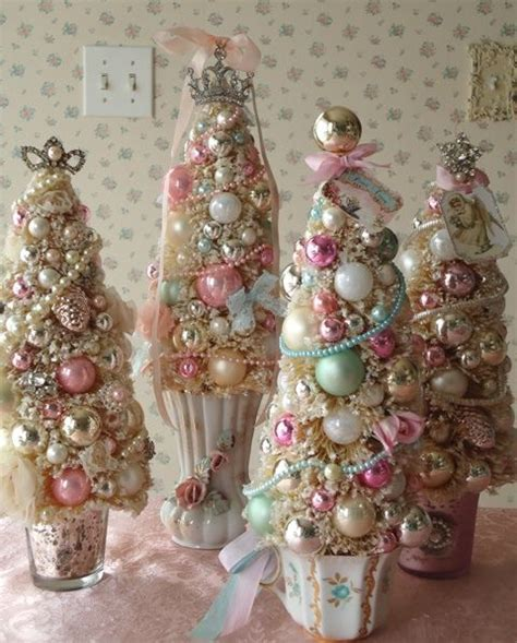 christmas decorations shabby chic 44 delicate shabby chic christmas d 233 cor ideas digsdigs