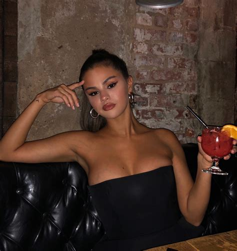Selena Gomez Instagram Socialcoral Com