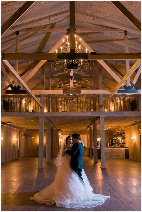 rustic manor    milwaukees hottest  venues