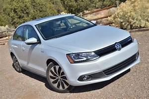 Volkswagen Jetta Hybride : volkswagen et sa nouvelle jetta hybride 2013 adg ~ Medecine-chirurgie-esthetiques.com Avis de Voitures