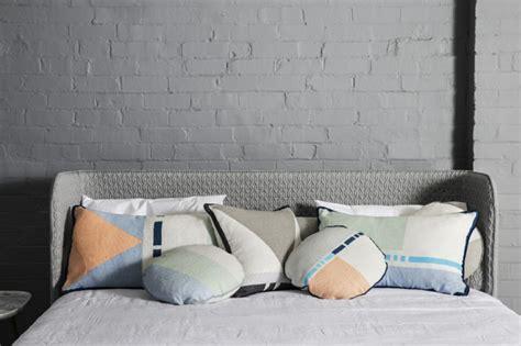 gros coussin pour canape le gros coussin pour canapé en 40 photos