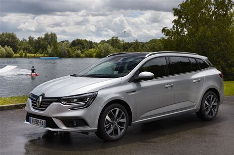 new renault megane renault megane sport tourer to start from 163 18 550 by car