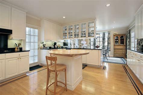 white kitchen light floors 124 pure luxury kitchen designs part 3 430 | Depositphotos 8716654 s