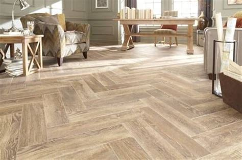 """Stonepeak Natural Timber Cinnamon 8"""" x 48"""" Wood Grain"""