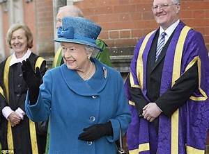 Praise for the Queen as she casts protocol aside to say ...