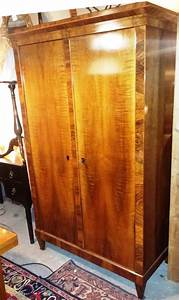 Möbel Nussbaum Antik : biedermeier nussbaum schrank orginal um 1840 antik m bel antiquit ten alling bei m nchen ~ Markanthonyermac.com Haus und Dekorationen