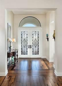 Amenagement D Un Hall D Entrée : un imposant plancher de bois franc dans une entr e de ~ Premium-room.com Idées de Décoration