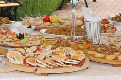 cucina tipica della cania cucina italiana tipica della cena di nozze fotografia