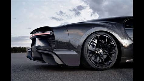 Just want to says this car is not a 2021 car its a 2020 car u can search in yt: 2021 Bugatti Chiron Super Sport 300+ hypercar - YouTube