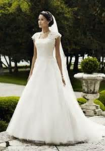 brautkleid fã rs standesamt über 1 000 ideen zu hochzeitskleider auf bräute verfüherische brautkleider und