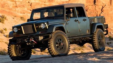 Insider Says Convertible Jeep Scrambler Pickup Is Coming