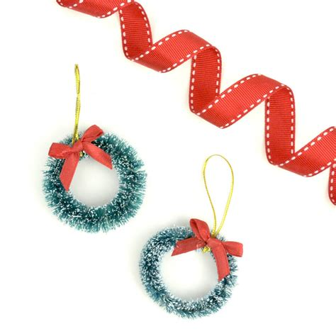 christmas wreath gift wrap accessories by peach blossom