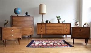 Mid Century Modern Bedroom Set by Hooker