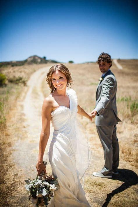 11340 wedding photographers shooting dramatically unique wedding photo shoot idea