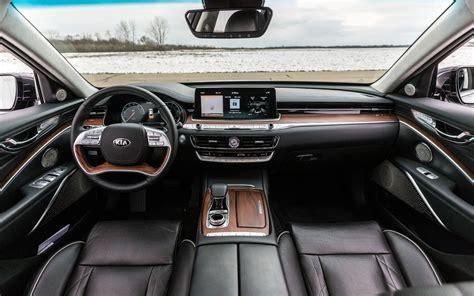 comparison kia  premium   ford taurus