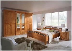 Schlafzimmer Aus Holz : schlafzimmer aus massivem holz schlafzimmer house und dekor galerie olgqjovavz ~ Sanjose-hotels-ca.com Haus und Dekorationen
