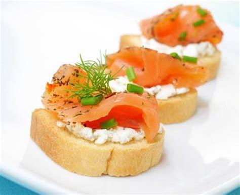 canapé au saumon fumé et mascarpone recette toasts saumon fumé mascarpone 750g