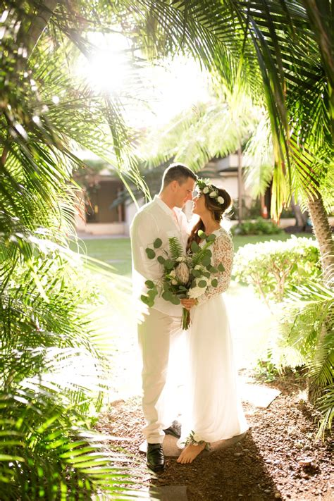 elegant green white hawaiian wedding ideas