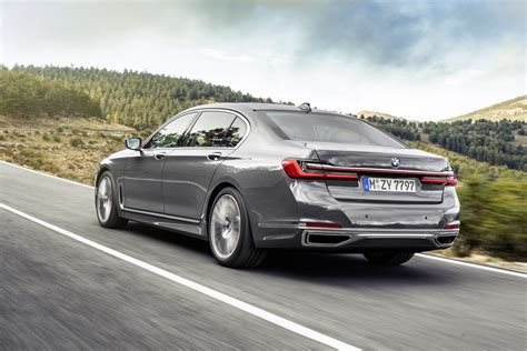 2020 Bmw 7 Series Gets A Huge Grille, Tech And Hybrid