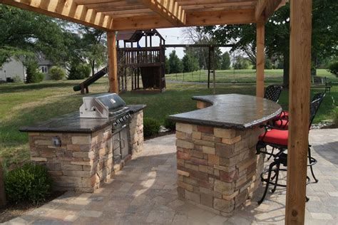 outdoor kitchen and bar designs outdoor kitchens bars grills green guys 7228