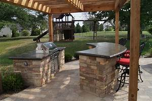 outdoor kitchens bars grills green guys With outdoor kitchen and bar designs