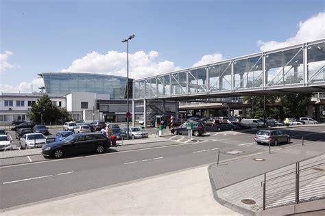 parkplatz düsseldorf airport parken in d 252 sseldorf flughafen p12 apcoa parking