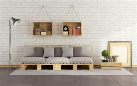 canapé en palette de bois comment fabriquer un canapé en palette tuto et 60