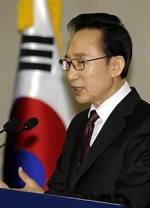 Lee Myung-Bak Photos Photos - South Korean President Lee ...