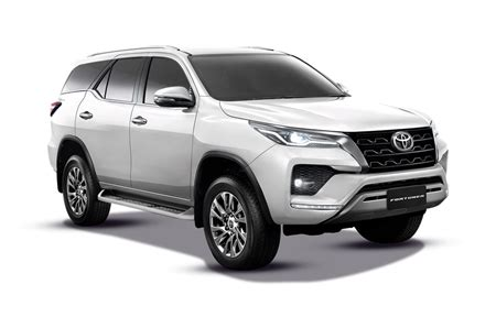 Toyota Fortuner 2.8L 4x4 AT Price, Images, Reviews and ...
