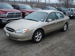 2000 Ford Taurus - Information And Photos