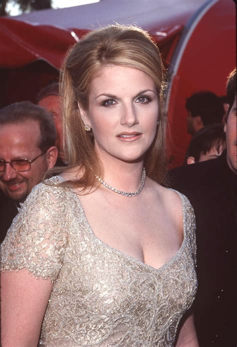 Trisha Yearwood in 1998 | Country Singers Then and Now ...