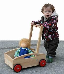 Puppenwagen Ab 1 Jahr : spielzeug ab 1 jahr i lerne was dein kind jetzt braucht carelino spielzeug mit herz ~ Eleganceandgraceweddings.com Haus und Dekorationen