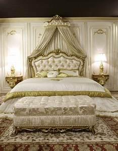 Lit Style Baroque : chambre style baroque luxueuse et pleine de caract re ~ Nature-et-papiers.com Idées de Décoration